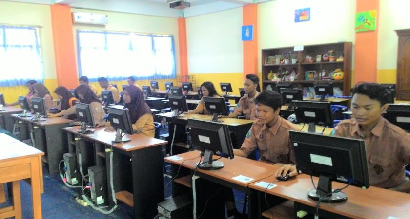 Laboratorium Komputer & Multimedia