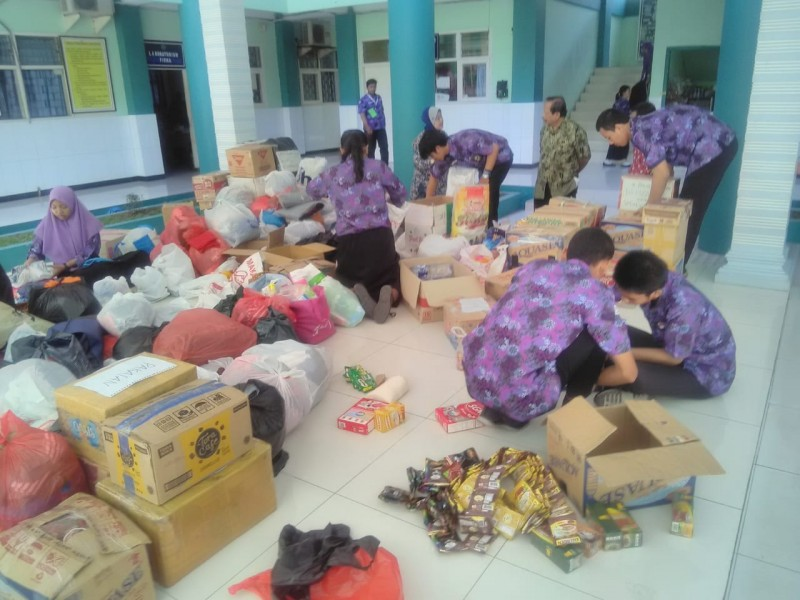 Smadors berbagi untuk korban bencana alam palu dan donggala