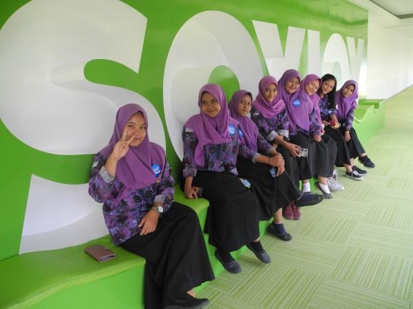 Kunjungan Siswa Siswi SMADORS ke Pabrik Pocari sweat dan Soyjoy