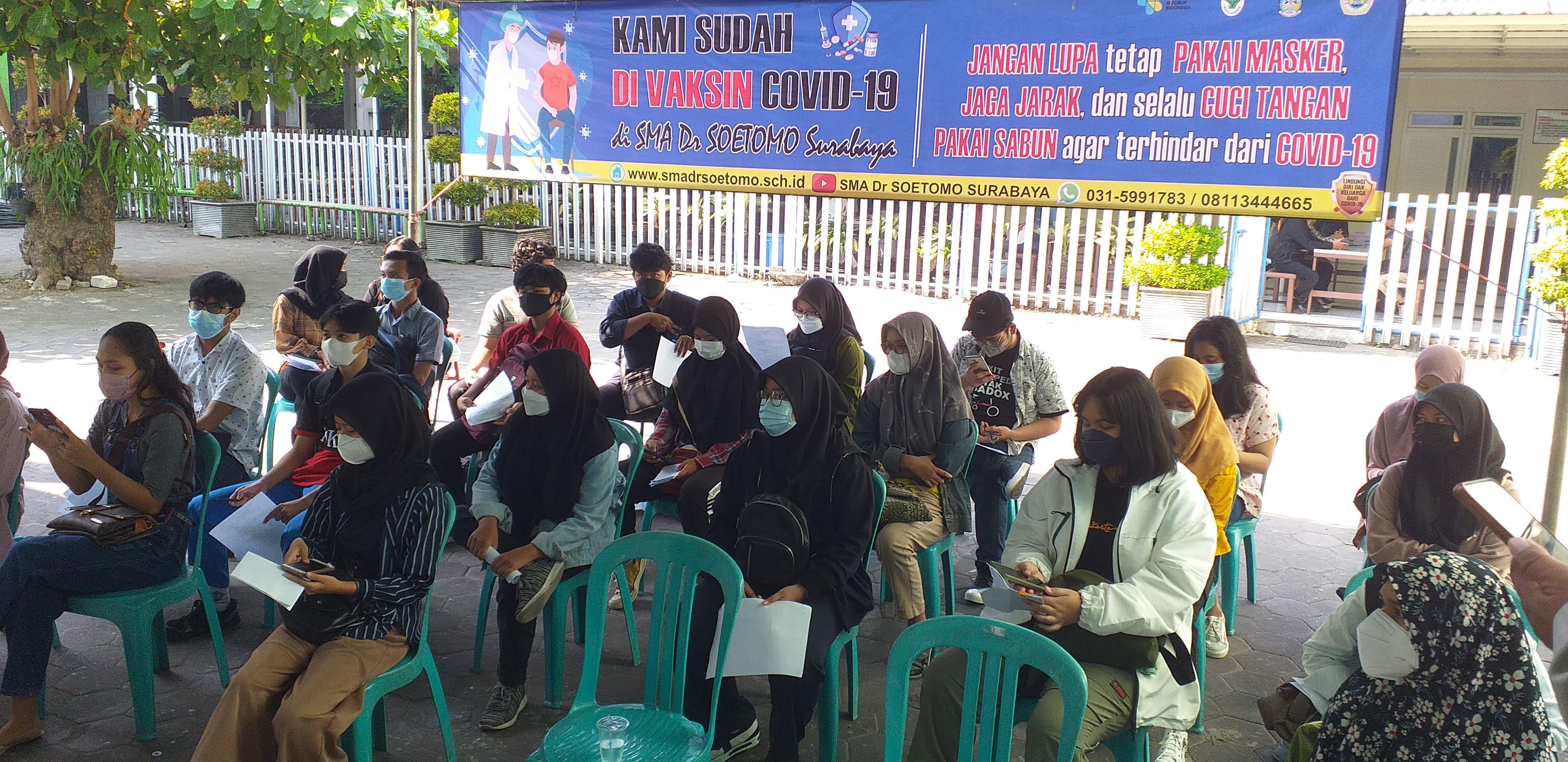 Vaksin C-19 di SMA Dr. Soetomo Surabaya